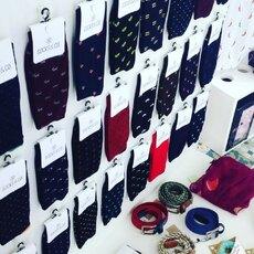 Conoces el hilo escocia.  Calcetines finos, suaves y elegantes #calcetinesejecutivo #calcetinescondibujo #sincostura @socksandco #modaespañola también online www.socksandco.es
