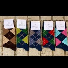Los clásicos de siempre pero a todo color #calcetinesdivertidos #calcetinesconrombos @socksandco #modaespañola #ventaonline