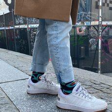 Atrevido a la vez que divertido #lookurban  #casualstyle @socksandco #modaespañola  La manera más atrevida de vestir tus pies #calcetinesdecolores #calcetinesdivertidos