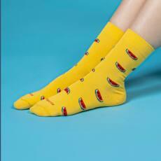 La fruta del verano #sandia  ¿Conoces nuestros calcetines invisibles? #compraonline #portesgratis @socksandco #marcaespaña